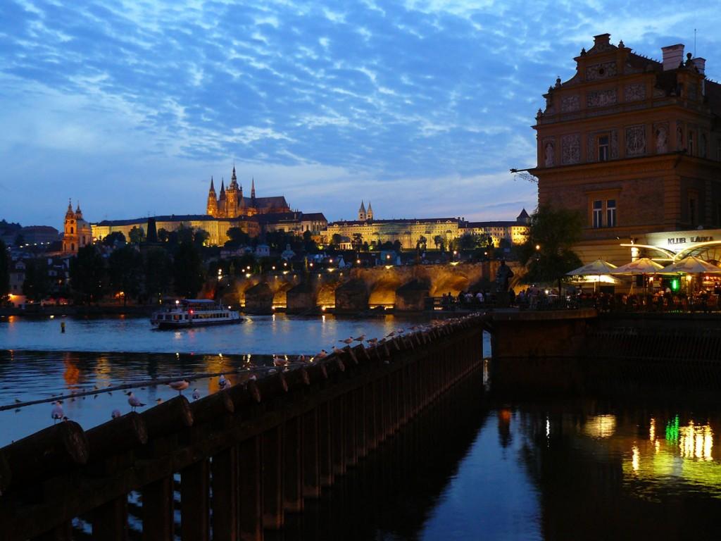 Prague au crépuscule