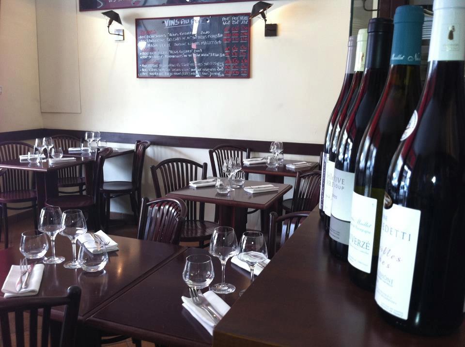 La salle de restaurant. Crédit photo Facebook le Danton.