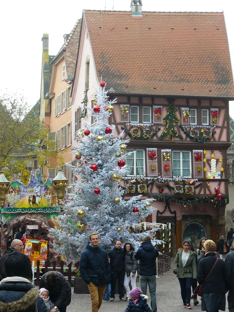 Colmar est magnifiquement décorée pendant les fêtes de fin d'année.