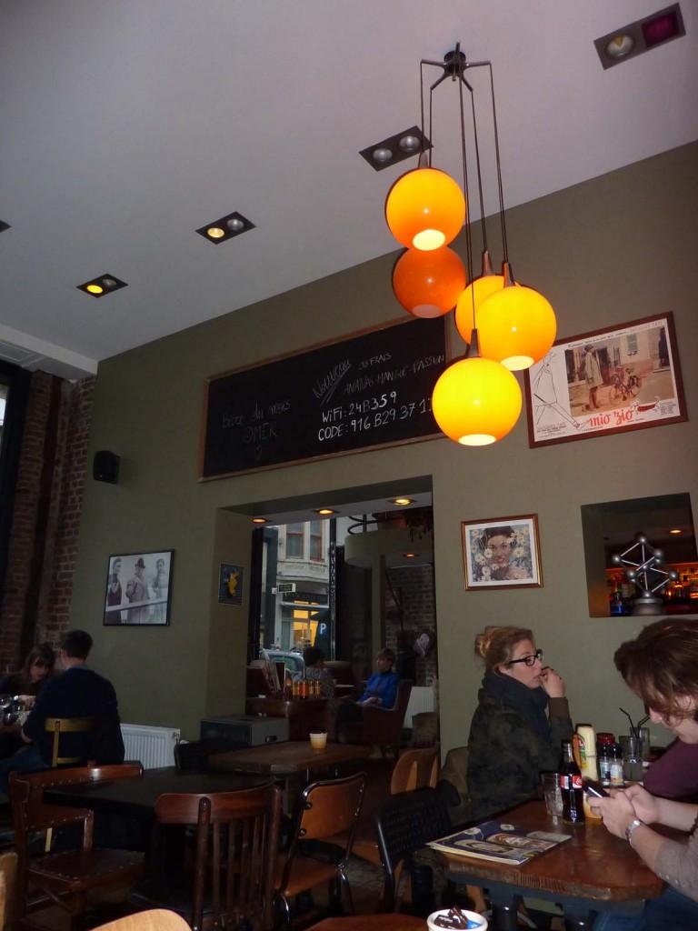 Le bar Les Gens que j'aime offre un cadre cosy et branché.