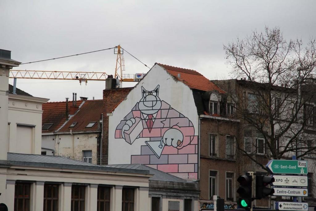 De nombreuses fresques ornent les murs de Bruxelles. Ici, le chat de Geluck.