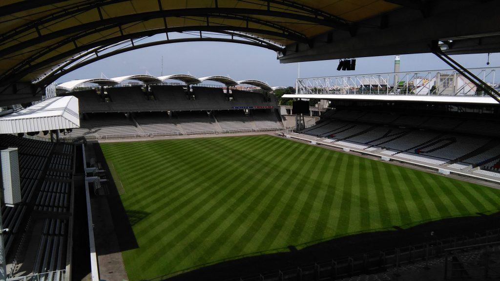 La pelouse du stade est restée impeccable.